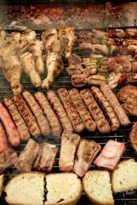 Menu en speciale avonden. Barbecue, bij belgen in het buitenland, La Vallata, Umbrië, Italië. landgenoten.